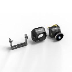 Kamera posiada w zestawie adapter do rozmiaru micro