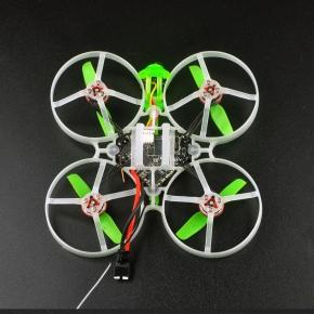 Dron wyścigowy FPV z kamera