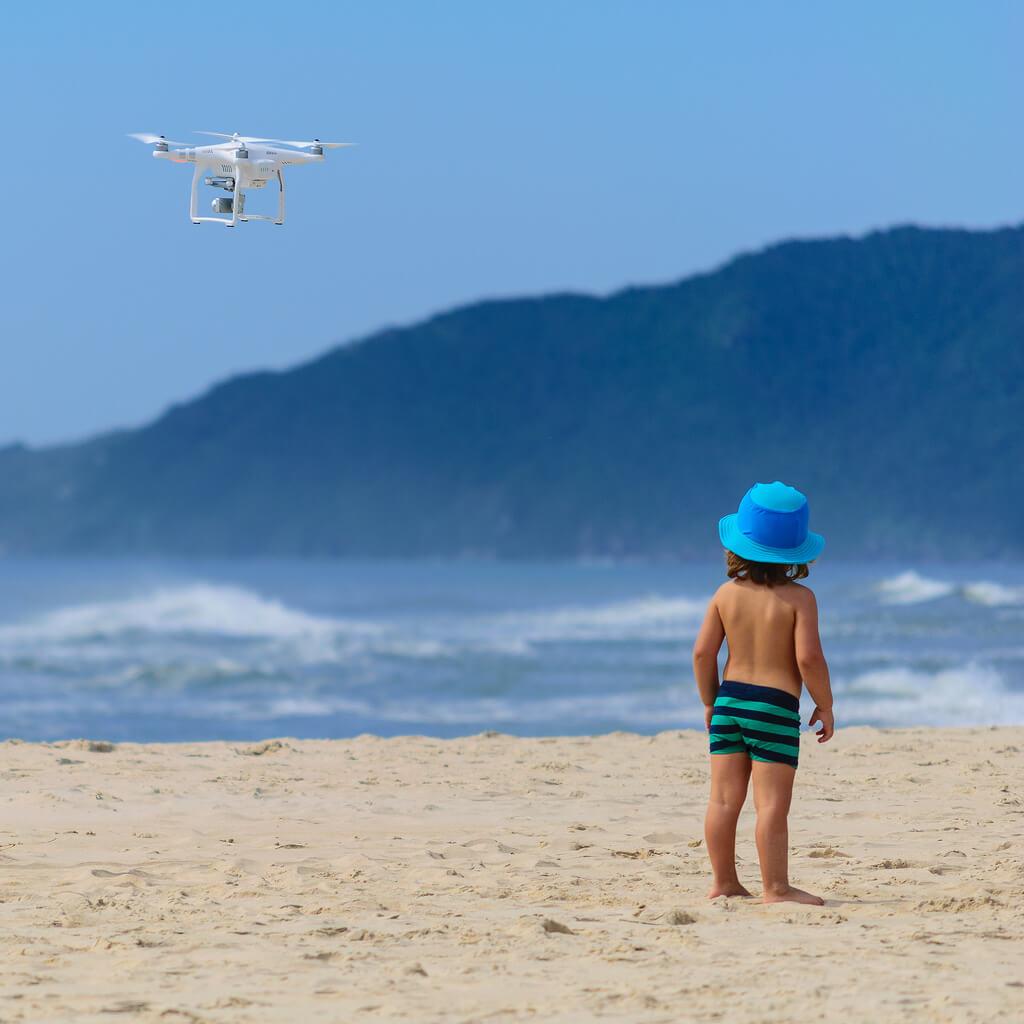 Czy dron dla dziecka to dobry prezent?
