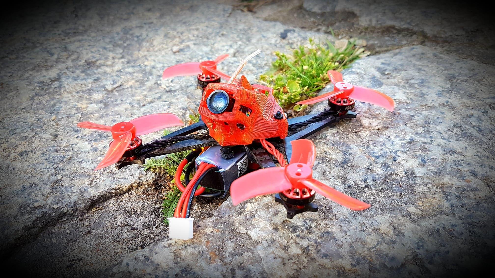 Sailfly-X świetny micro dron typu toothpick