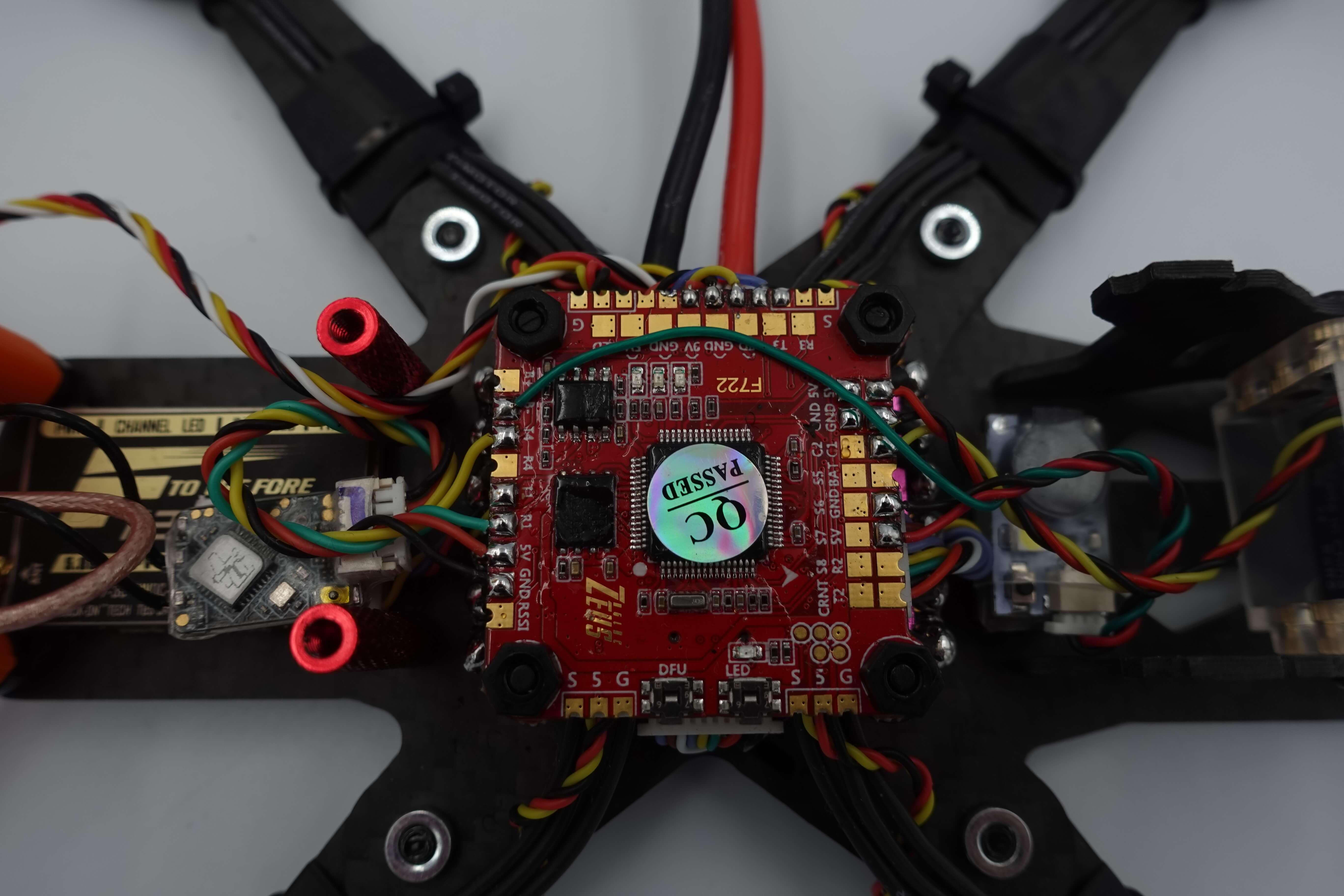 FC zamontowanie w dronie widok od góry